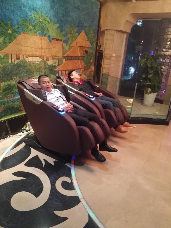 重庆沙坪坝金歌演义商用扫码支付按摩椅